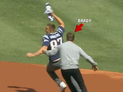 Tom Brady Jersey JACKED BY GRONK ... Brady Exacts Revenge! (VIDEO)
