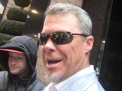 Chipper Jones Says Knees Are Shot ... Can't Even Play Softball (VIDEO)
