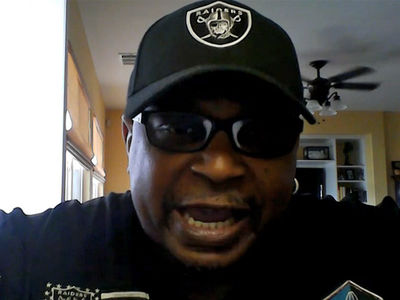 Raiders Superfan Makes Pitch To Marshawn Lynch: 'Let's Kick Some Ass' (VIDEO)