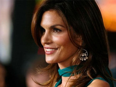 Wait'll You See Cindy Crawford's Yearbook Photo -- And How It Compares to Daughter's!