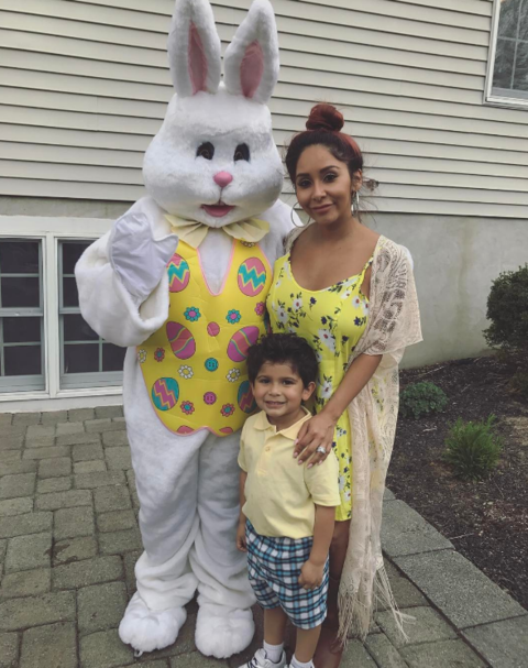 Snooki shared a cute family pic with the Easter bunny.