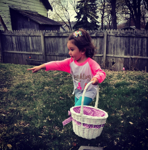 Jwoww went on a hunt with her daughter for some eggs.