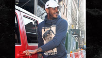 Carmelo Anthony Not Wearing Wedding Ring in NYC, Just Like La La (PHOTO)