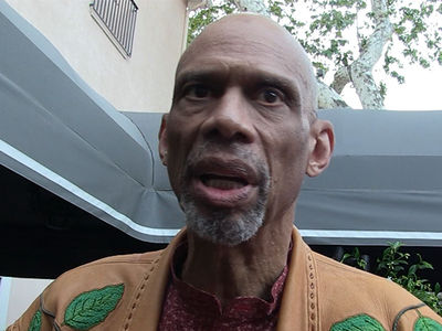 Kareem Abdul-Jabbar Won't Say Kaepernick Is Being Blackballed By NFL