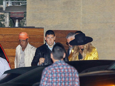 Beyonce and Jay Z Go Above and Beyond To Hide Her Baby Bump at Nobu (PHOTO + VIDEO)