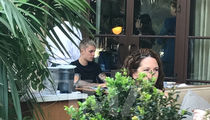 Justin Bieber Eats Lunch Alone at Beverly Hills Restaurant (PHOTO)