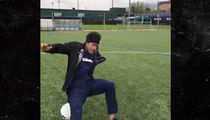 Neymar's Juggling Fail, Soccer Star Falls On His Ass (VIDEO)