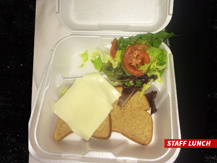 People who attended the festival tell us quite a few people were actually staying in villas near the c&site ... the tents were low-end accommodations. & Fyre Festival Sandwich Photo Was Staff Lunch Guests Had Real Food ...