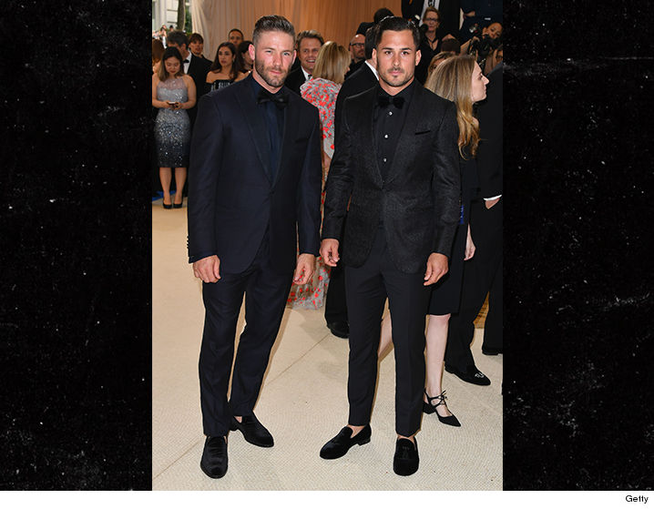 Edelman And Lima Were Not Each Others Dates For The Gala Arrived To Affair With Fellow Pats WR Danny Amendola They Sat At Tom Bradys