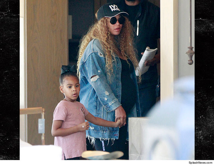 Beyonce Ready To Pop But Still Running Errands With Blue