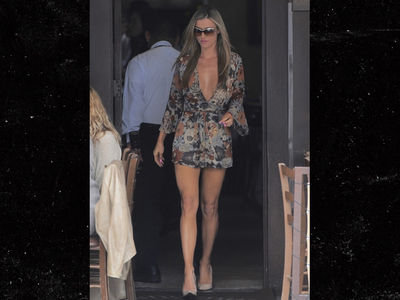 Joanna Krupa Flaunts Hot Bod in Beverly Hills On Heels of Separation (PHOTOS)