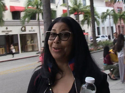 Cookie Johnson On Lonzo Ball: 'I Stay In My Lane' (VIDEO)