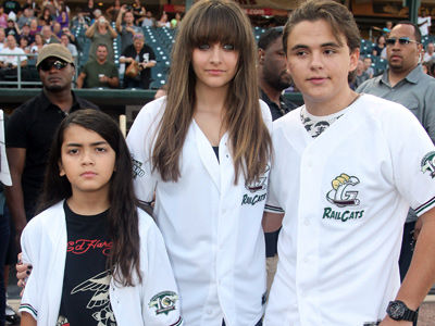 Paris Shares VERY RARE Photo of Blanket on 16th B-Day -- See Message to Her Brother!