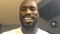 Vernon Davis Says Colin Kaepernick Can Still Play, 'Great Teammate' (VIDEO)