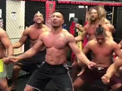 Jason Momoa Performs Haka Dance for UFC Fighter Mark Hunt (VIDEO)