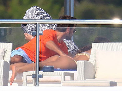 Scott Disick Gets Handful of Bieber's Ex, Chantel Jeffries (PHOTOS)