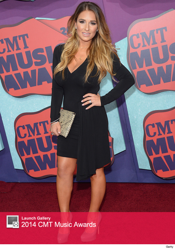 Jessie James Decker Shows Off Post-Baby Body at 2014 CMT ...