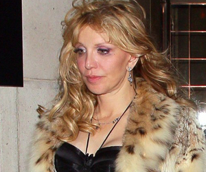 Courtney Love News Pictures And Videos Tmz Com