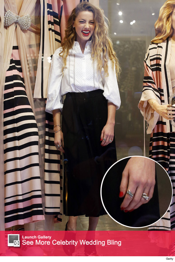 Amber Heard Shows Off Wedding Ring For The First Time See Her New