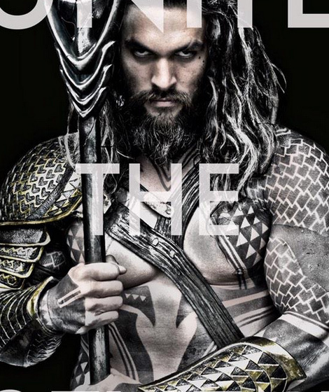 see the first pic of jason momoa as aquaman no tights