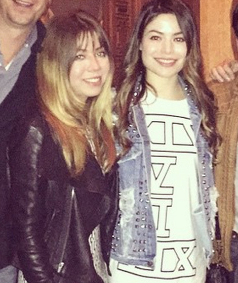 """It's An """"iCarly"""" Reunion! See The Stars Together Seven"""