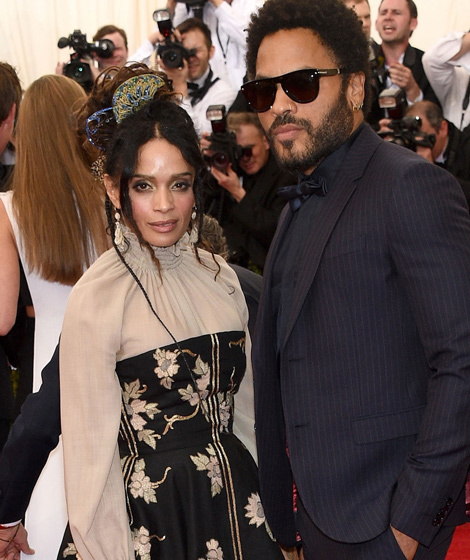 Lenny Kravitz Kisses Ex Wife Lisa Bonet In Family Photo With