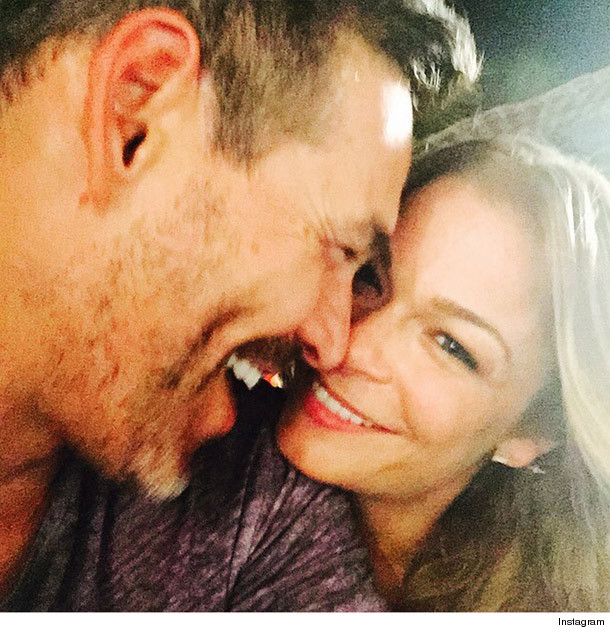 LeAnn Rimes Shows Off Her Perfect Booty In Teeny, Tiny