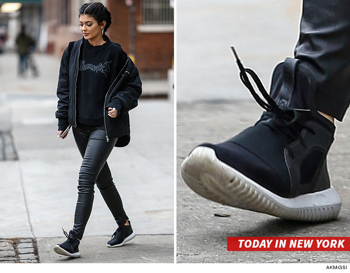 kylie jenner in sneakers Sale 1484b944b
