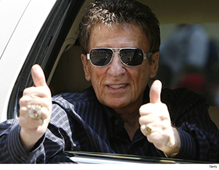 Detroit Tigers Owner Mike Ilitch Dies ... Created Little ...