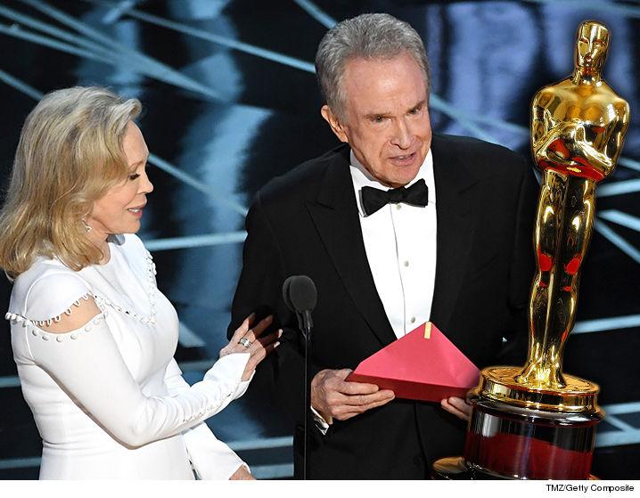 Warren Beatty, Faye Dunaway Fought Over Who Announces Best ...