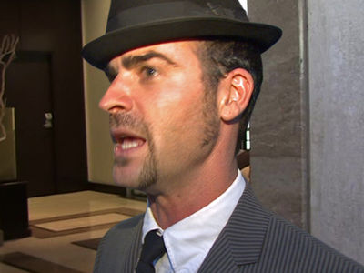 Justin Theroux Sues NYC Neighbor in Home Makeover War