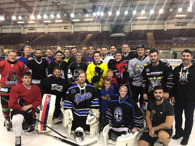 Justin Bieber Donates Personal Hockey Stick to Manchester Pro Team (PHOTO)