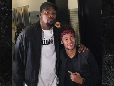 Neymar Bros Out with Kevin Durant, Draymond Green After NBA Finals (VIDEO + PHOTO GALLERY)