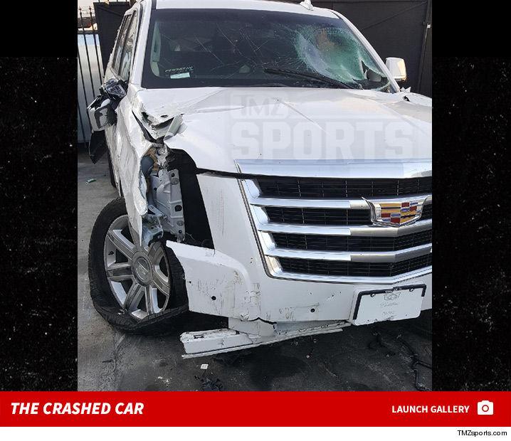 https://media.tmz.com/2017/06/06/0606-derek-fisher-car-crash-dui-photos-launch-5.jpg
