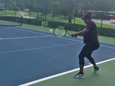 Pregnant Serena Williams Smashing Tennis Balls In 3rd Trimester