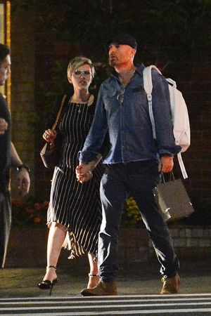 Scarlett Johansson and New Mystery Man -- Hold Up!