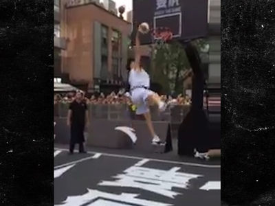 Klay Thompson Botches a 360 Dunk Attempt in Front of Fans in China