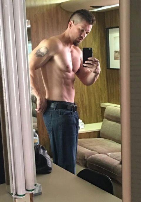 Steve howey shirtless