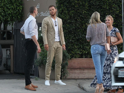 Blake Griffin Double Dates with New Clipper & Smokin' Hot WAGS