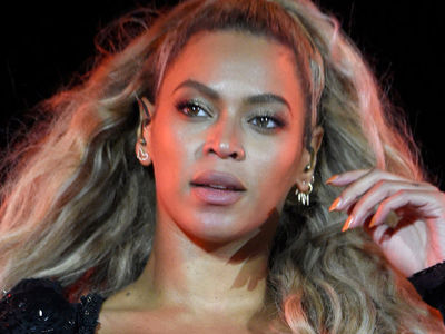 Beyonce Steps Out 5 Weeks After Giving Birth to Twins -- And Looks GOOD!
