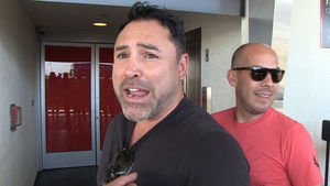 Oscar De La Hoya: If I Couldn't Beat Floyd, Conor McGregor Has No Chance