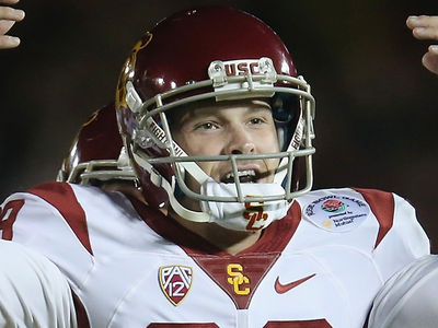 USC Football Hero Falsely Accused of Dom. Violence, Girlfriend Says