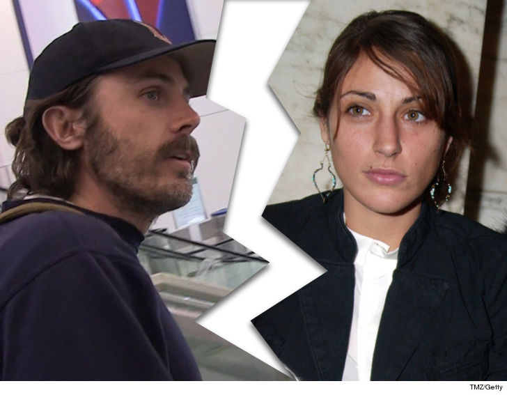 Casey Affleck's estranged wife files for divorce
