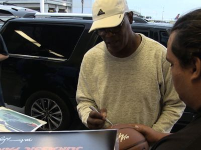 Samuel L. Jackson Tells Autograph Seekers, 'I Ain't Signing Every F***ing Thing!'