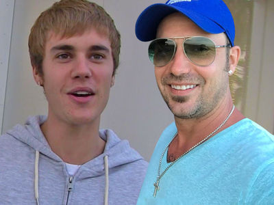Justin Bieber's Dad Flies to L.A. for Quality Time On Heels of Major Life Decisions