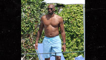 Kobe Bryant's Vacation Dad Bod Is Jacked & Hairless (Update)