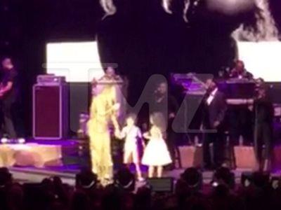 Mariah Carey's Daughter Monroe Makes Hollywood Bowl Debut