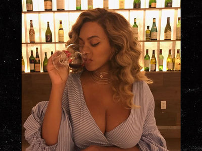 Beyonce Says Bottoms Up, Twins Out Too!!!