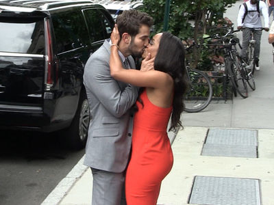 'Bachelorette' Rachel Lindsay's PDA with Fiance Bryan Abasolo, All for the Cameras