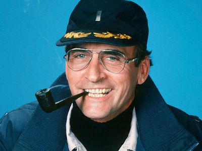 Lt. Howard Hunter on 'Hill Street Blues' 'Memba Him?!